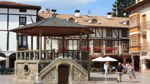 Plaza-del-Conde-Torremúzquiz-Ezcaray