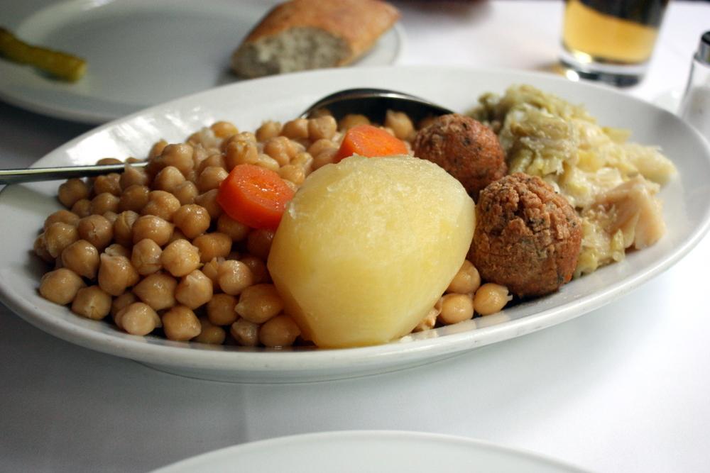 cocido madrileno garbanzos