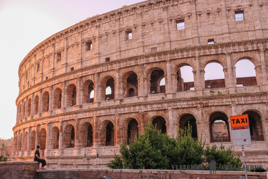 coliseo romano atardecer