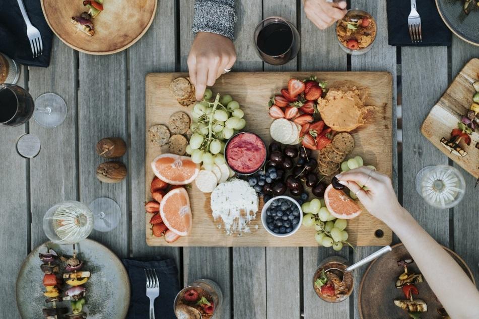 tabla comida mesa