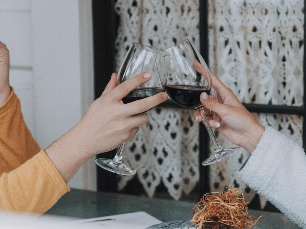 brindis copa vino