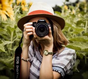 mujer camara fotos